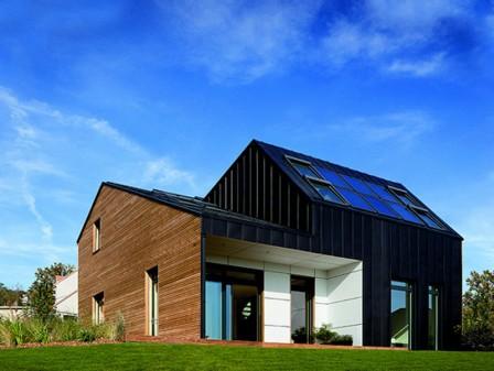Átadták a Model Home 2020 kísérleti program utolsó, hatodik épületét, a Maison Air et Lumière aktívházat