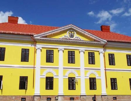 Korszerű szigetelés került a kétszáz éves kastélyba