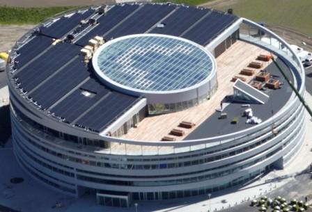 Kör alakú, minősített passzívház irodaház