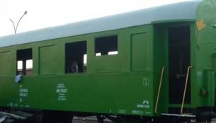 Guruló (majdnem:)) passzív házak a vasútnál
